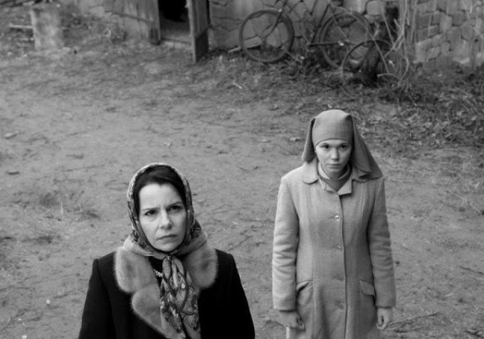 Agata Trzebuchowska as Ida and Agata Kulesza as the world weary Wanda.