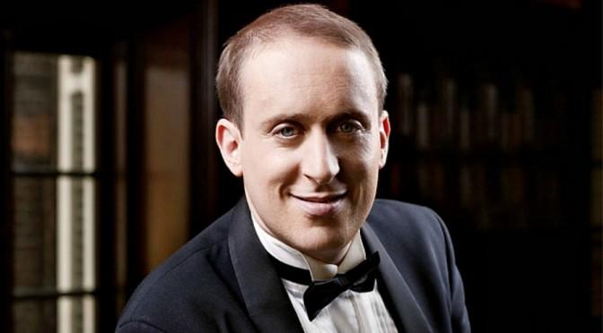 Simon Tedeschi: Pianist and Pranskter