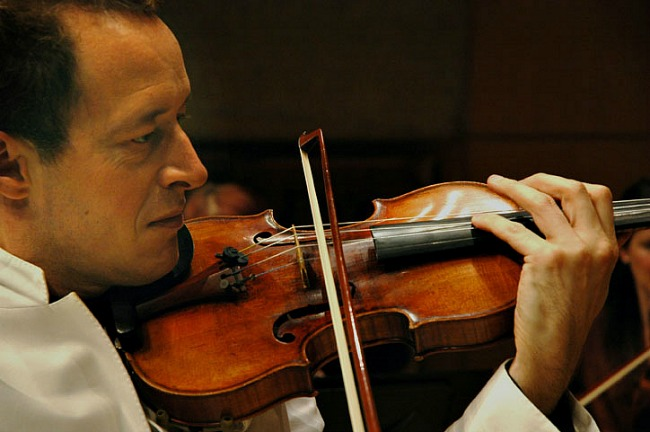 Brilliant violinist Anthony Marwood who was also the guest director and conductor for the last ACO concert of the year