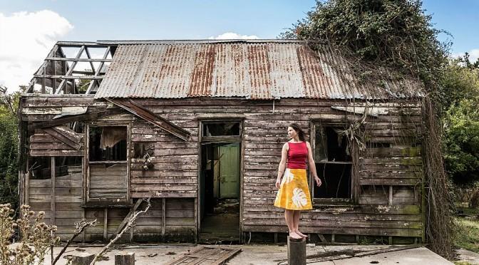 RAE HOWELLTOURS HER DEBUT ALBUM