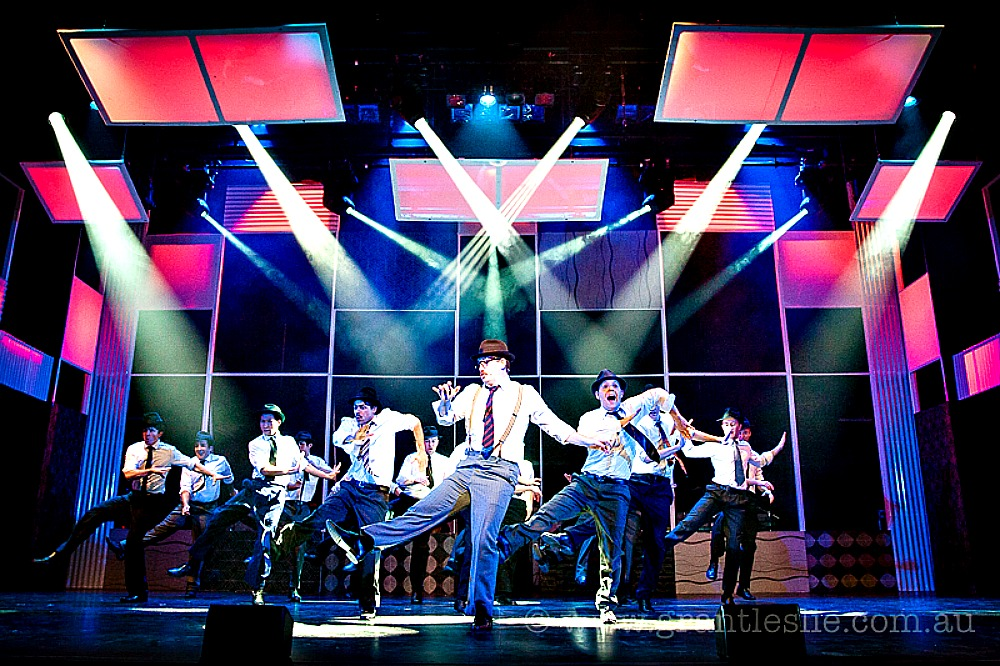 Willoughby Theatre Company - Catch Me If You Can - Grant Leslie Photography