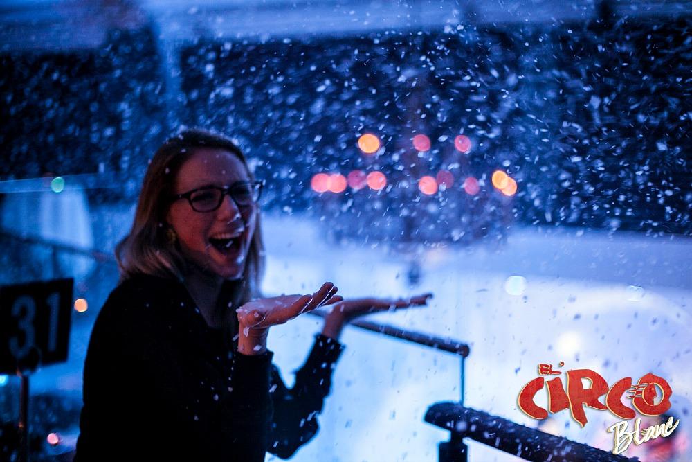 It actually snows inside! EL CIRCO BLANC