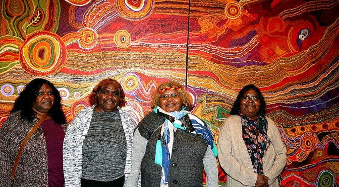 INDIGENOUS FAMILY CANVAS WINS THE 2016 WYNNE PRIZE
