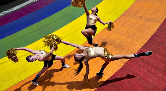 SYDNEY DANCE COMPANY JOINS THE MARDI GRAS PARADE