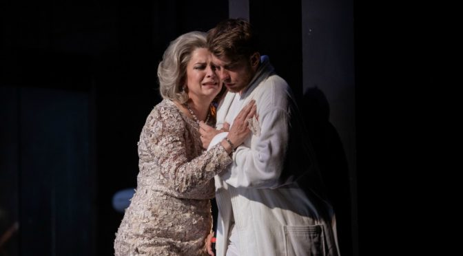 CAT ON A HOT TIN ROOF : SEARING DRAMA @ ROSLYN PACKER THEATRE